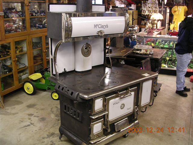McClary early cast iron cook stove from the good old prairies. This stove  is a McClary's white enamel porcelain, burns wood or coal,upper warming  oven, ... - McClary Early 1920′s Cast Iron Cook Stove From The Good Old
