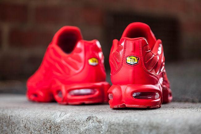 best sneakers ca496 57825 Sneaker Central - NIKE TUNED 1  LAVA  - Foot Locker