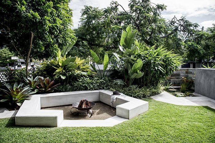 Creating A Garden Sanctuary Queensland Homes Magazine Garden Landscape Design Front Yard Garden Design Tropical Landscape Design