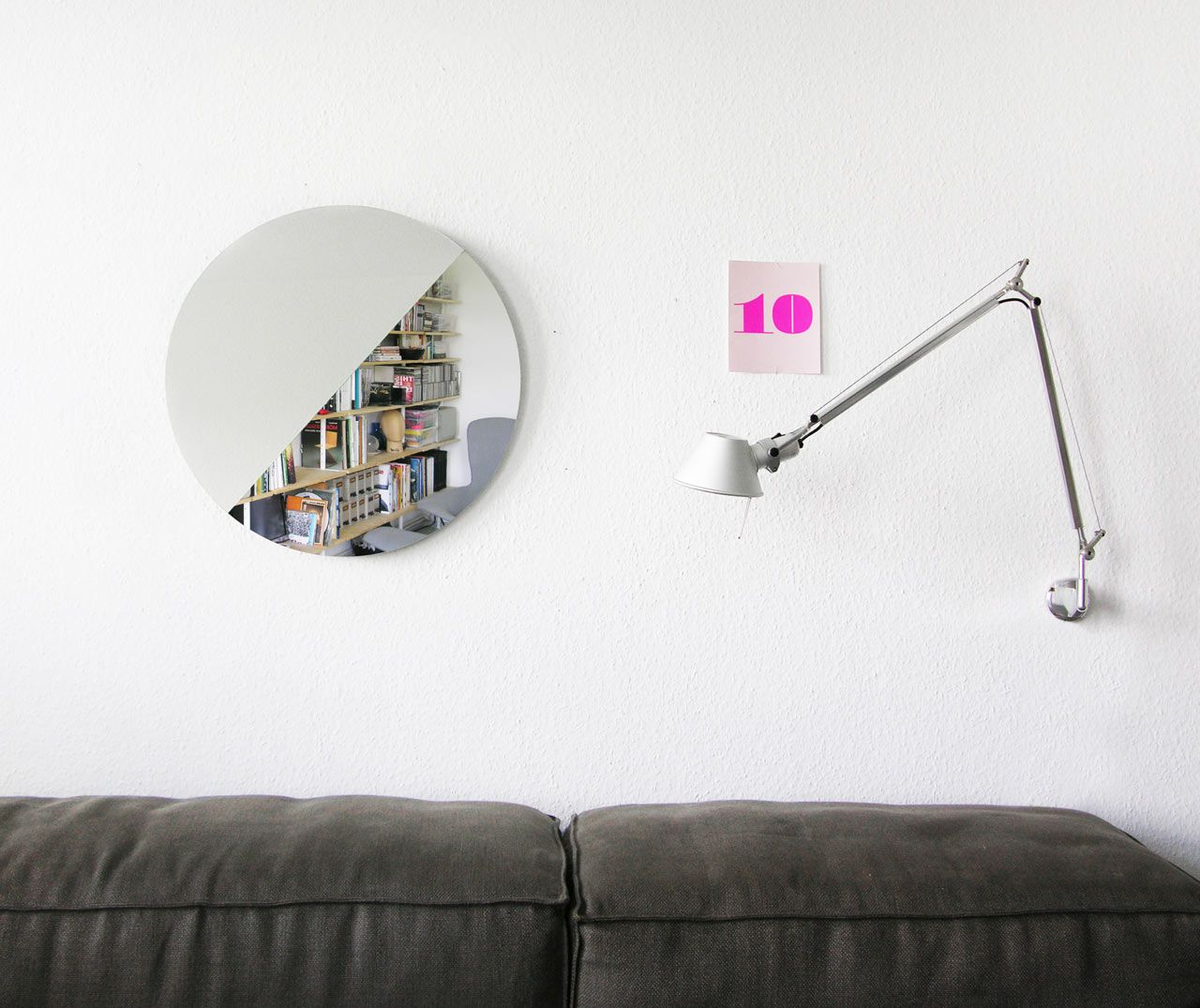 A Mirror That Lets You See Different Perspectives