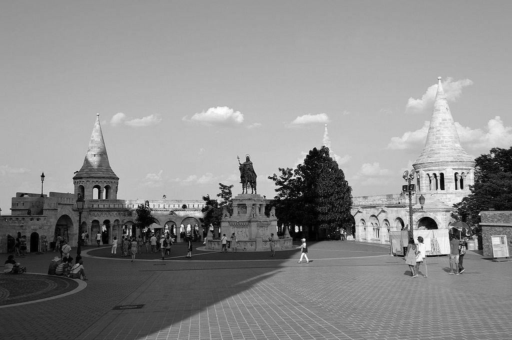 https://flic.kr/p/Lih2bw   Budapest - Szentháromsag tér - 3   Pictures by Björn…