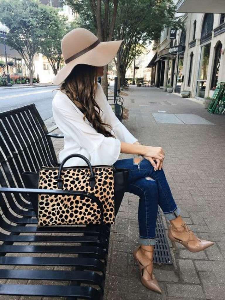 Outfits con Sombreros • 30 Encantadoras Ideas para este 2018 #outfitswithhats