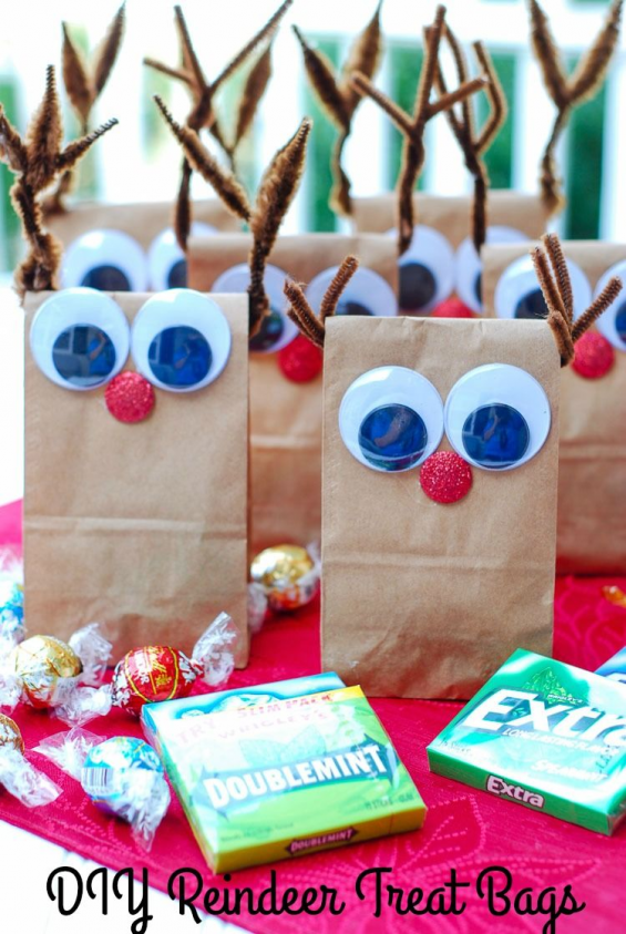 Need holiday treat bags for a crowd? My DIY Reindeer Treat Bags are fun and easy...,  #Bags #crowd #DIY #Easy #fun #holiday #Reindeer #Treat,  #DiyAbschnitt, Diy Abschnitt,