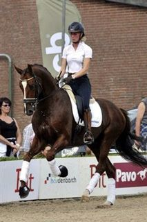 Don Presidente with Imke in Netherlands, he is doing so great:)