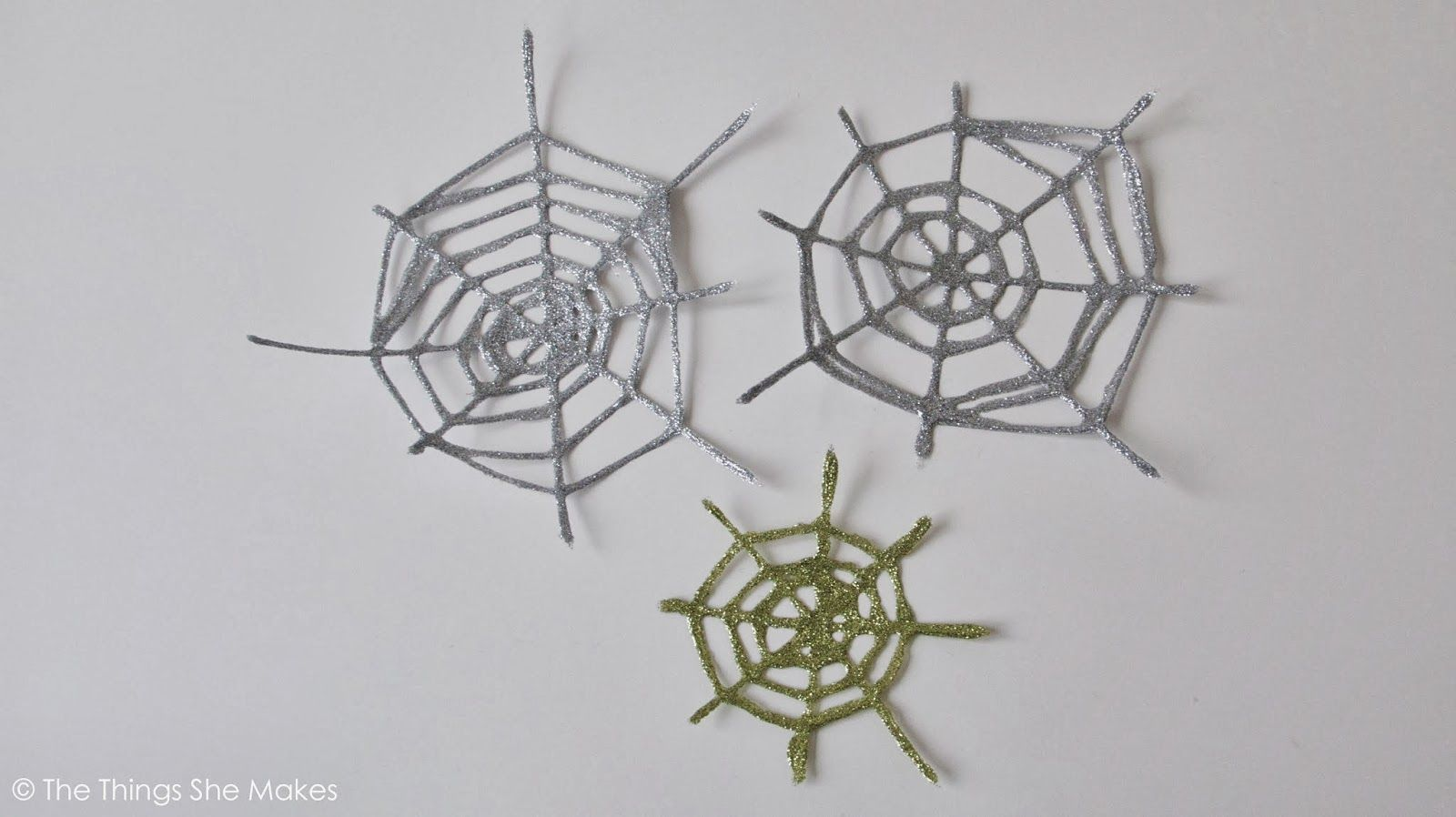 Glitter Spiderwebs - easy - can't wait to try some