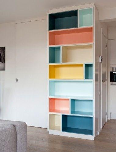 Kleur in je interieur met een kast