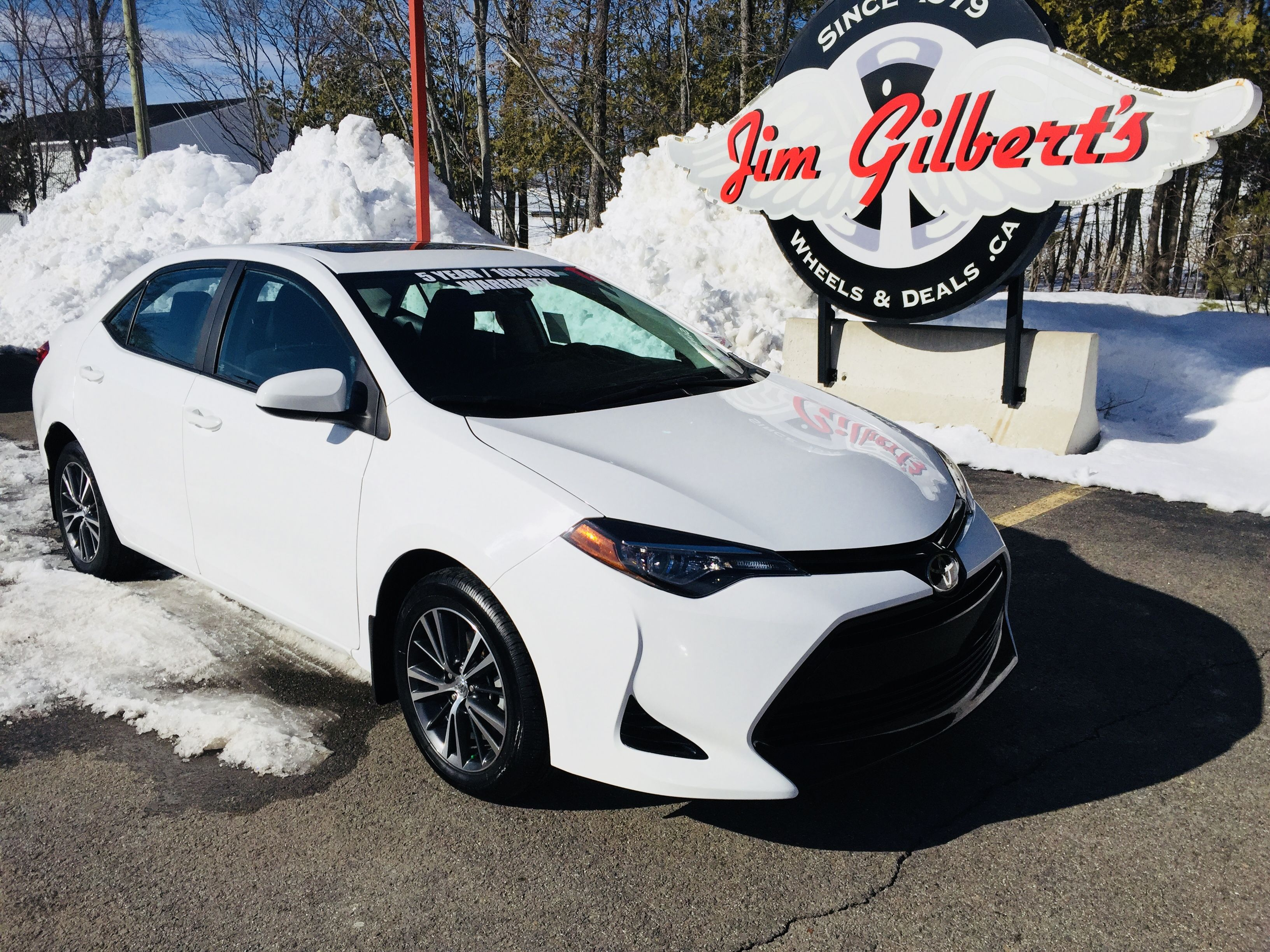 2017 Toyota Corolla LE Upgraded Package Sun Roof Heated Seats