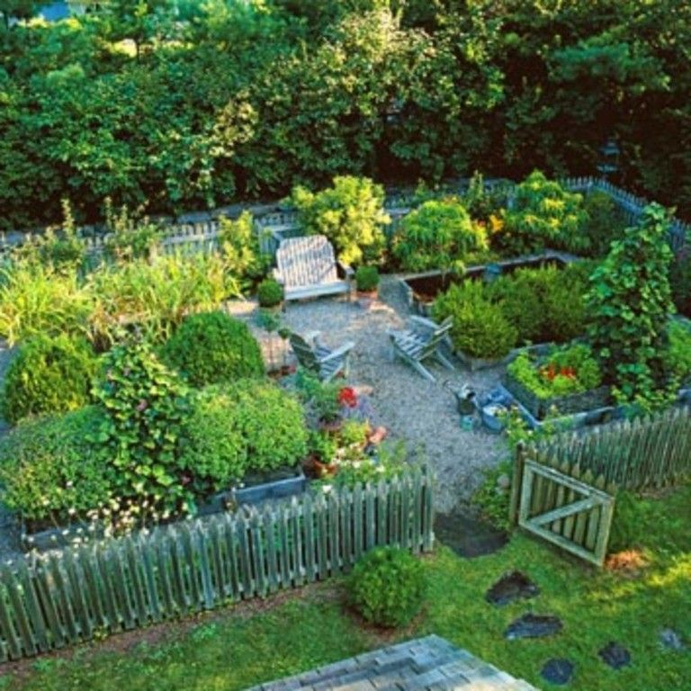 22 Incredible Budget Gardening Ideas: 20+ Amazing Vegetable Garden Fence Ideas