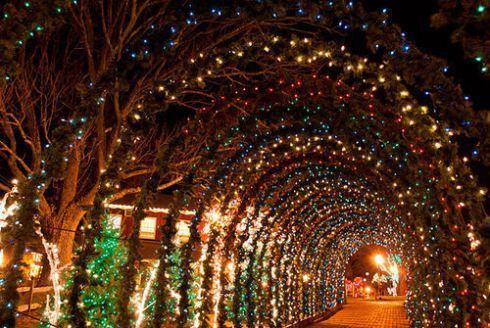 Peddler S Village Christmas Lights Lahaska Pa Usa Holiday Lights Fairy Lights Lights