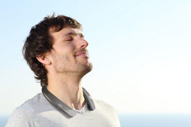 LG quiere ponernos un altavoz en el cuello y convertirnos en reproductores de audio ambula http://bit.ly/2i9c2rB http://bit.ly/2iG3wxs #CPMX8 Quiriarte.com