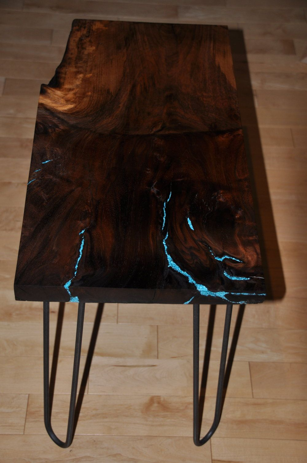 Merveilleux Black Walnut End Table With Turquoise Inlay