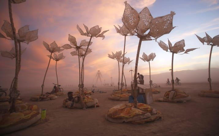 37 Of The Most Insane Pictures Ever Taken At Burning Man #artinstallation