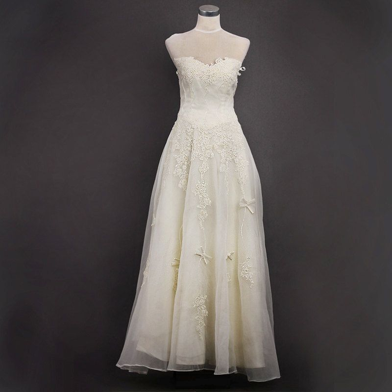 Custom make Vintage A LINE White Ivory Strapless Sweatheart  Lace Flower Embroidery Wedding Dress Bridal Gown Formal Bridesmaid Dress. $186.00, via Etsy.