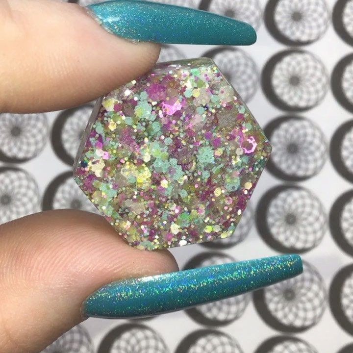Spring meadow Is back in stock ✨ Shop Link Is In The Bio ✨ #glittermixes #glitterfordays #resin #glitter #smallbusiness #resinglitter #glitterlove #resinsupplies #glitteraddict #looseglitter #glitterporn #nailglitter #slimeglitter #glittersale #resincharm #resincrafts #madewithlove #glitterart #sparkle #holographic #chunkyglitter #fineglitter #glitteracrylic #crafts #decodensupplies #homemade #satisfying #satisfyingvideos