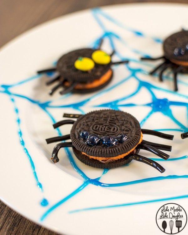 Oreo spider cookies recipe, so cute! #halloween #kidrecipes