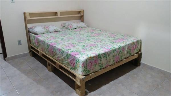 Diy Wood Pallet Headboard Diy Bed Headboard Wood Pallet Bed