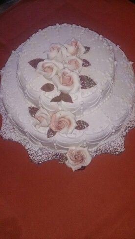 Kleine Hochzeitstorte Fullung Himbeertruffel Und Schokoladensahne