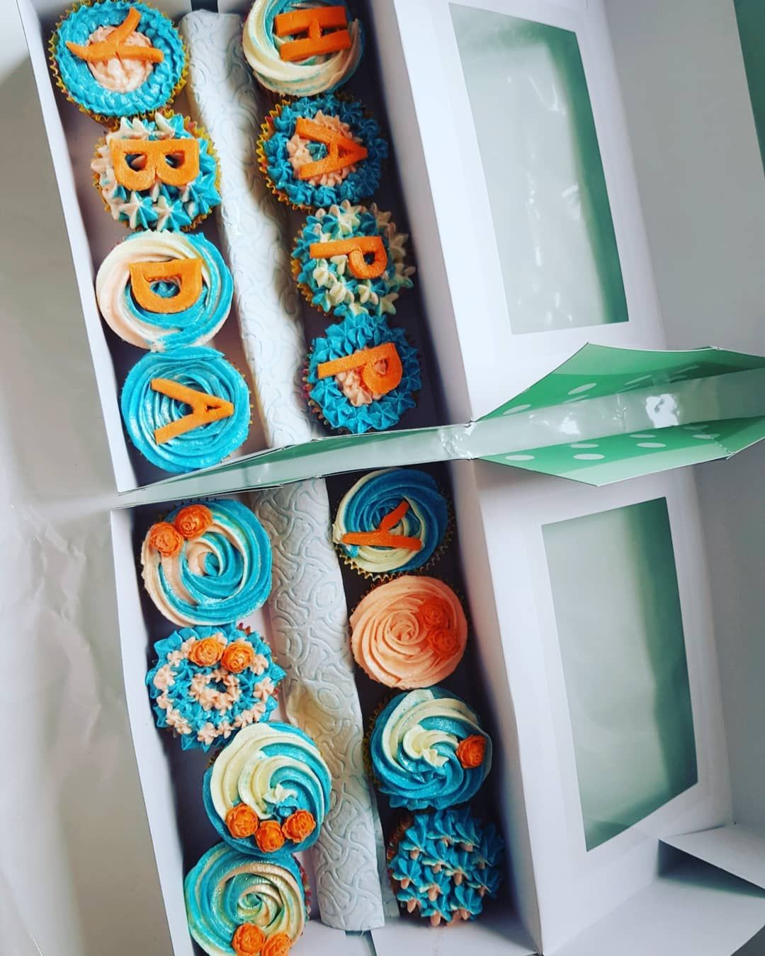 Birthday cupcakes!! Cupcakes for all and any occasion 🔥 @taylermade_cakes 👌👌 ___________________ .. .. .. ..
