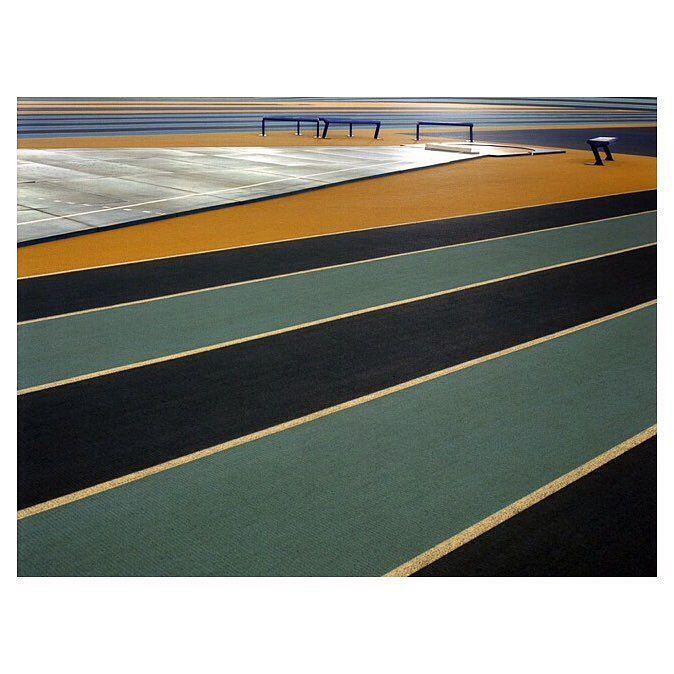 Goldie Oldie #athletics #track #architecturephotography #sports by frederik_vercruysse