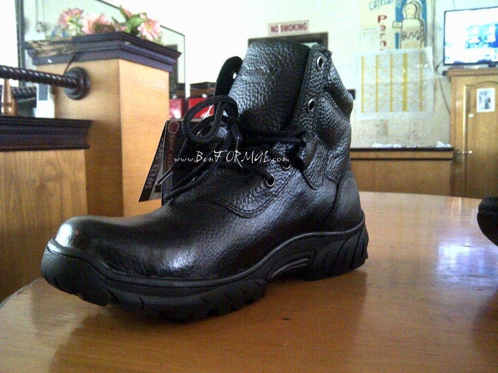 Perbesar gambar (Dengan gambar) Sepatu, Sepatu boots