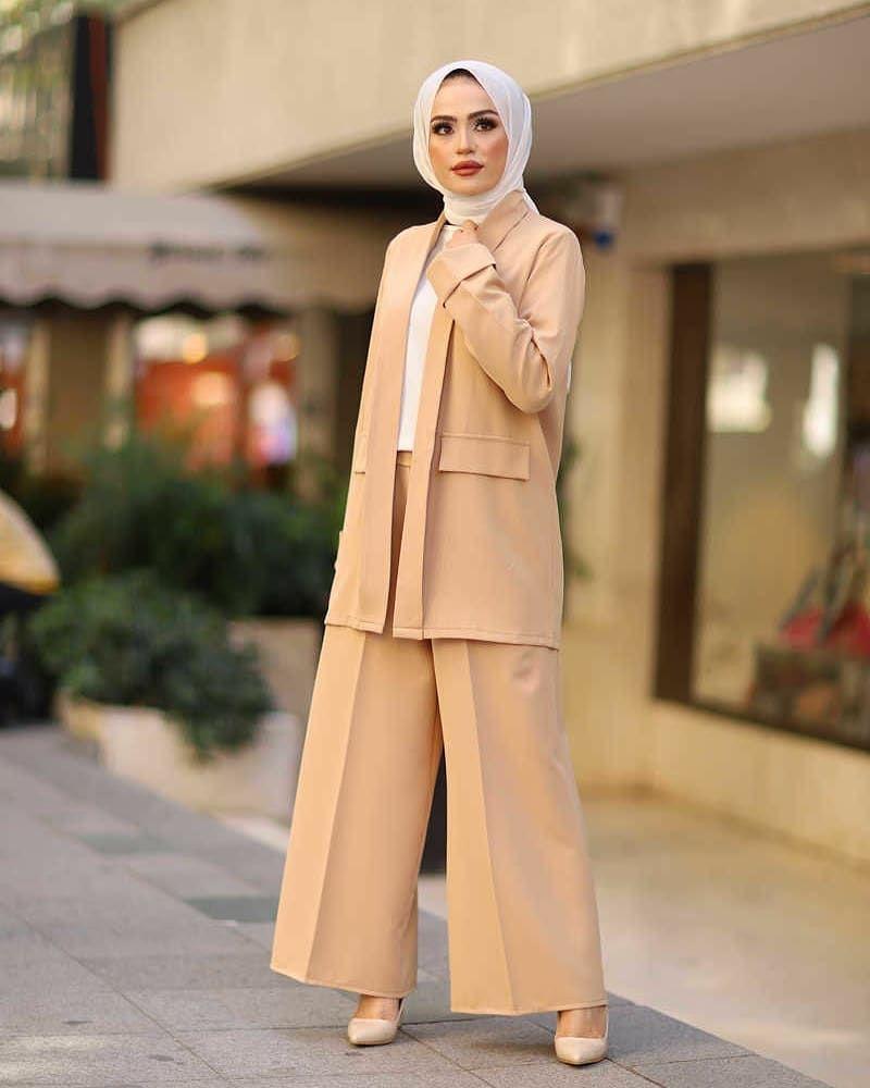 Yeni Sezon Bol Paca Pantolon Ceket Bluz Kombin Urun Kodu 495 Fiyat 99 Tesettur Tunik Modelleri 2020 In 2020 Fashion Coat Hijab Fashion