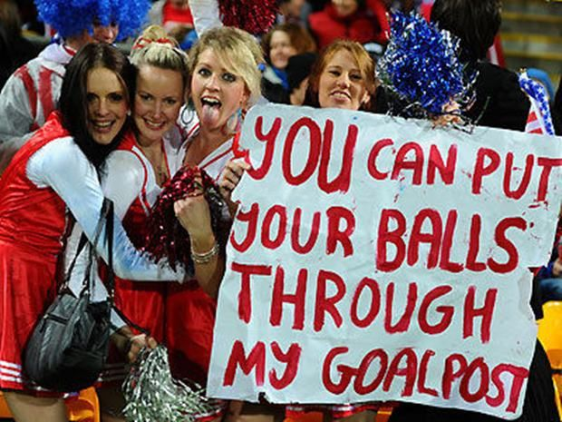 Funny Sports Fans Signs 16 Pics Sports Signs Sports Fan Signs Sports Humor