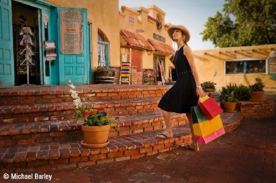 http://www.tripadvisor.fr/Attraction_Review-g60933-d144329-Reviews-Old_Town_Albuquerque-Albuquerque_New_Mexico.html