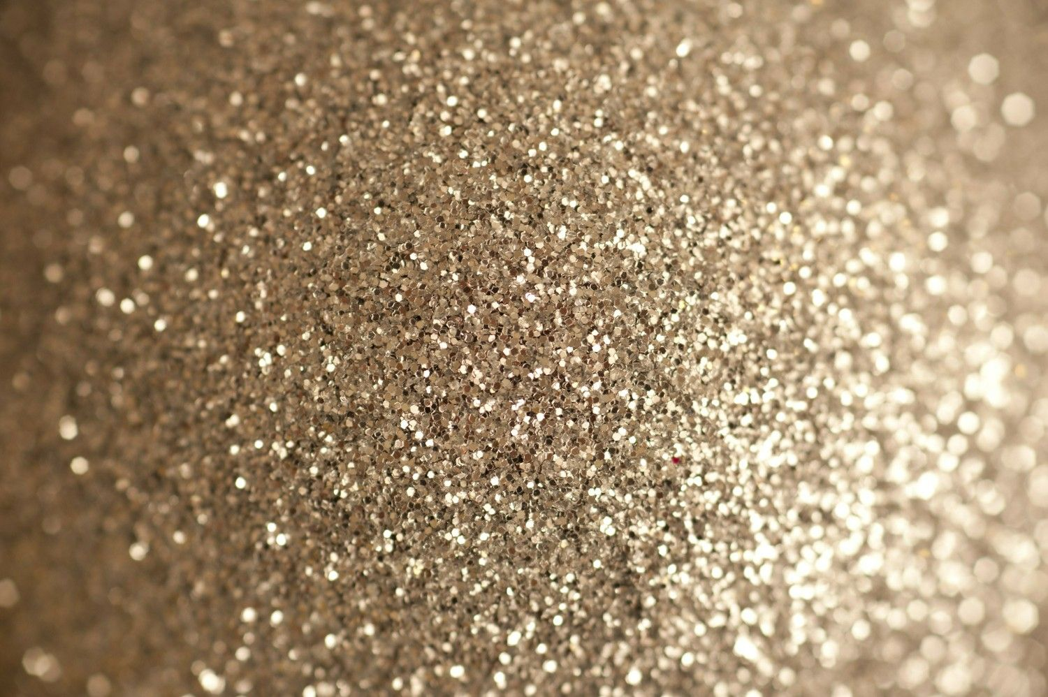 Pin by Hannah Marcello on glitter && gold (With images