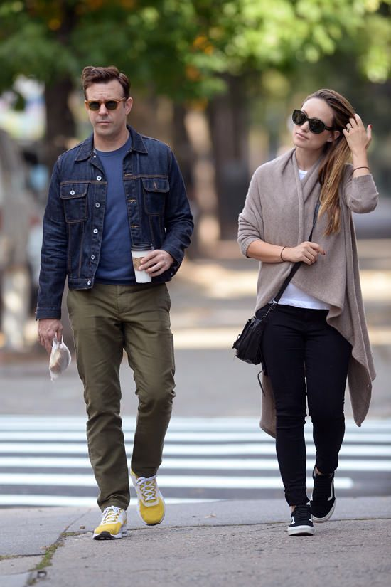 Jason Sudeikis Olivia Wilde Gotsnyc Street Style Fashion Tom Lorenzo Site 3 Sneakers Looks Olivia Wilde Nyc Street Style