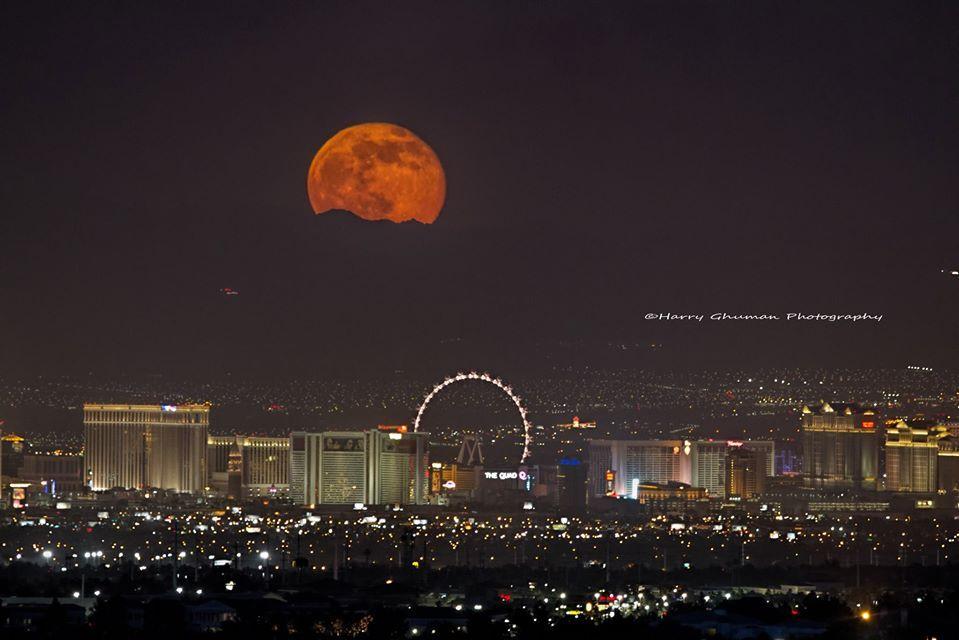 Full Moon Over Las Vegas Tonight Friday The 13th June Love Moon Full Moon Moon