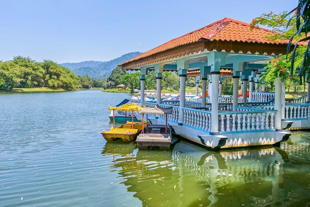 Go Explore The Beautiful Taiping Lake Gardens On Taman Tasik