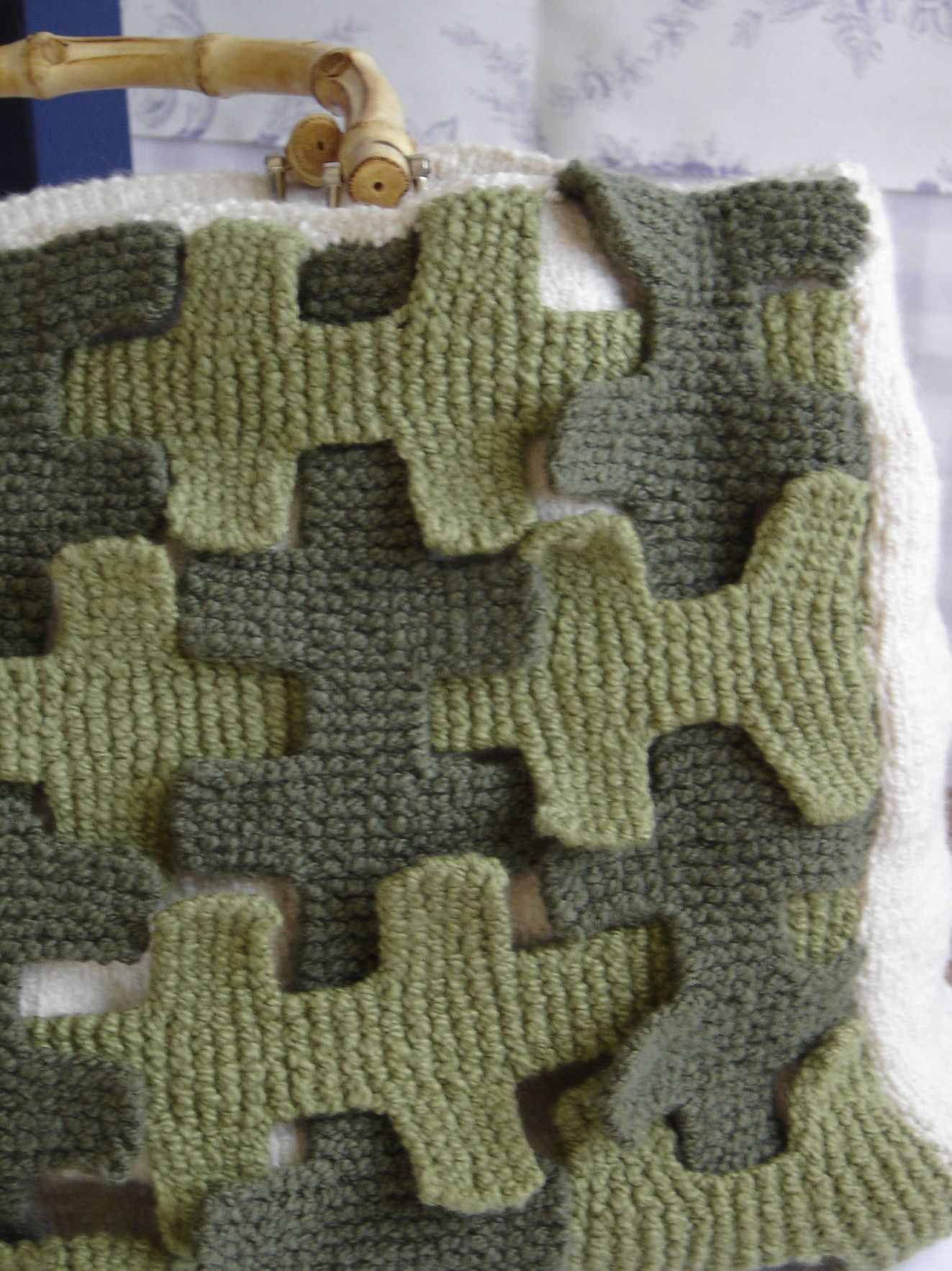 Interlaced garter stitch strips - maddy laine Knitting Patterns ...