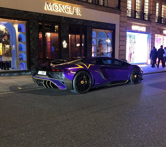 Sloane Street Goalzzz Landrover Svr Carbon Tbt Smile Me Quattro Fitness Sloane Street Goalzzz L Cars And Coffee Fitness Instagram Super Cars
