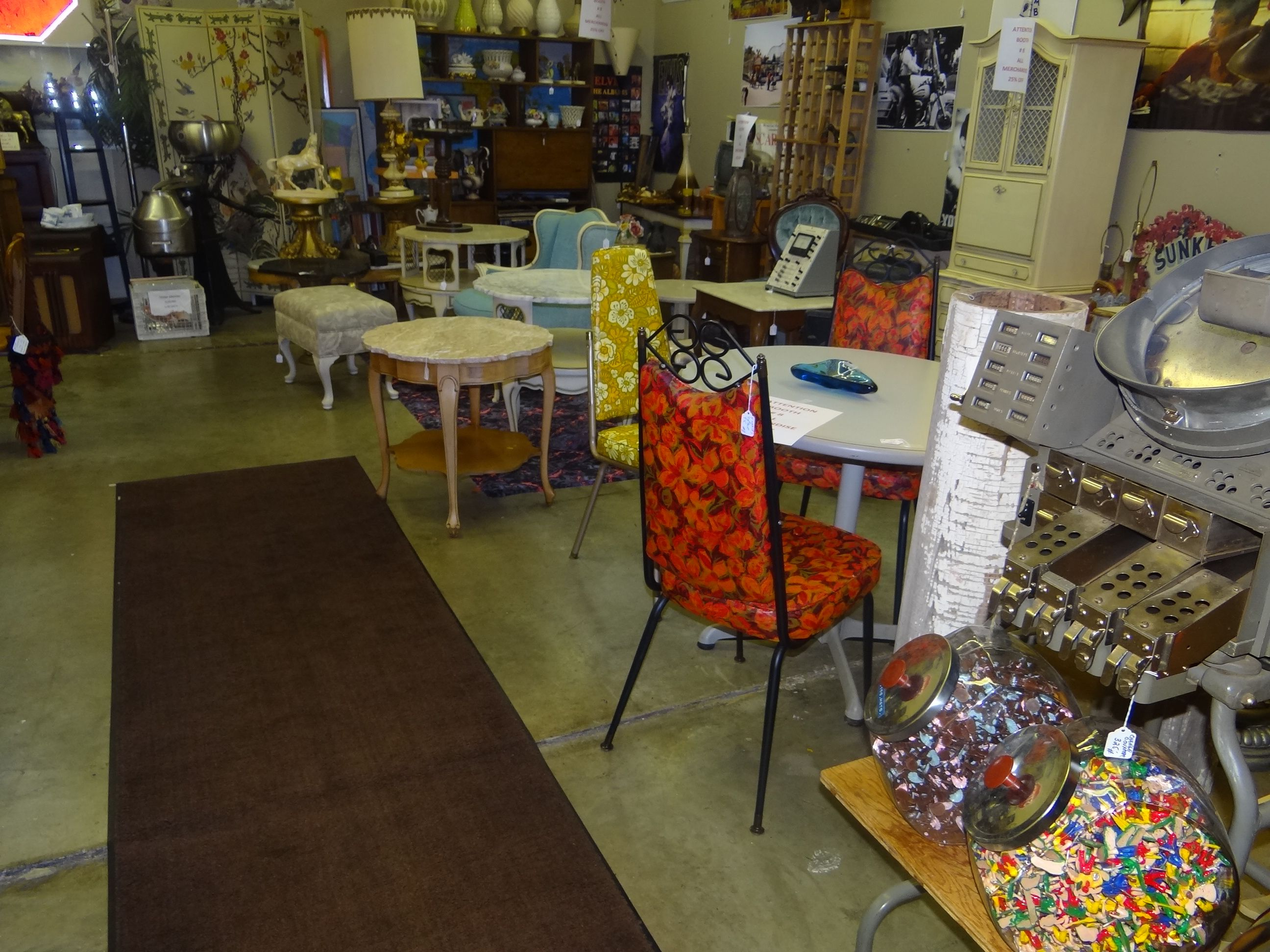 At The Riverside Centre Antique Mall There S So Much To Chose From You Can Find Anything Mid Century Modern French Flea Market Chic