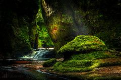 The Devil's Pulpit (GenerationX) Tags: longexposure light summer green water river landscape scotland moss sandstone rocks unitedkingdom platform scottish neil glen peat gb gorge rays dappled pulpit barr dumgoyne devilspulpit finnich carnockburn