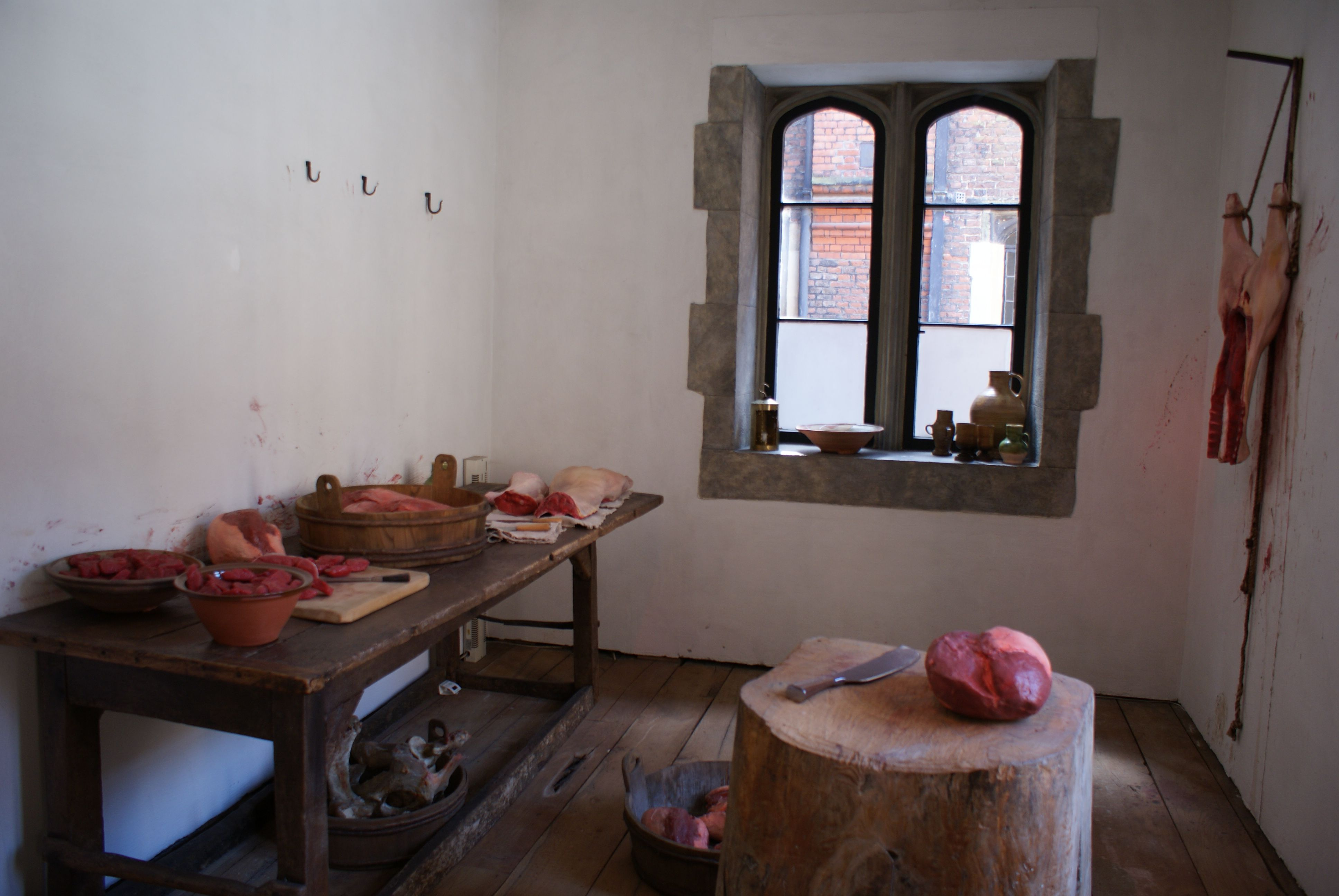 IN THE KITCHEN - 15TH CENTURY MEDIEVAL CASTLE - SURREY - UK http://www.hrp.org.uk/HamptonCourtPalace/