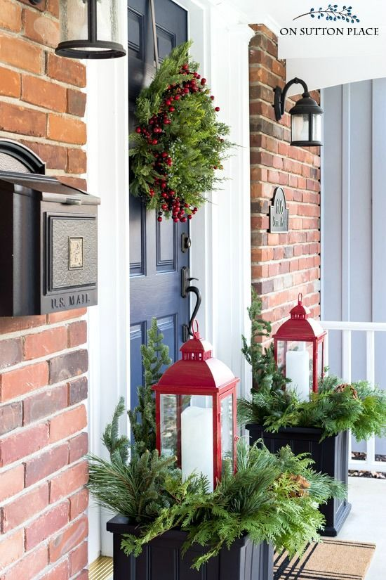 Photo of Ideas for simple Christmas decorations. Winter planter idea using …