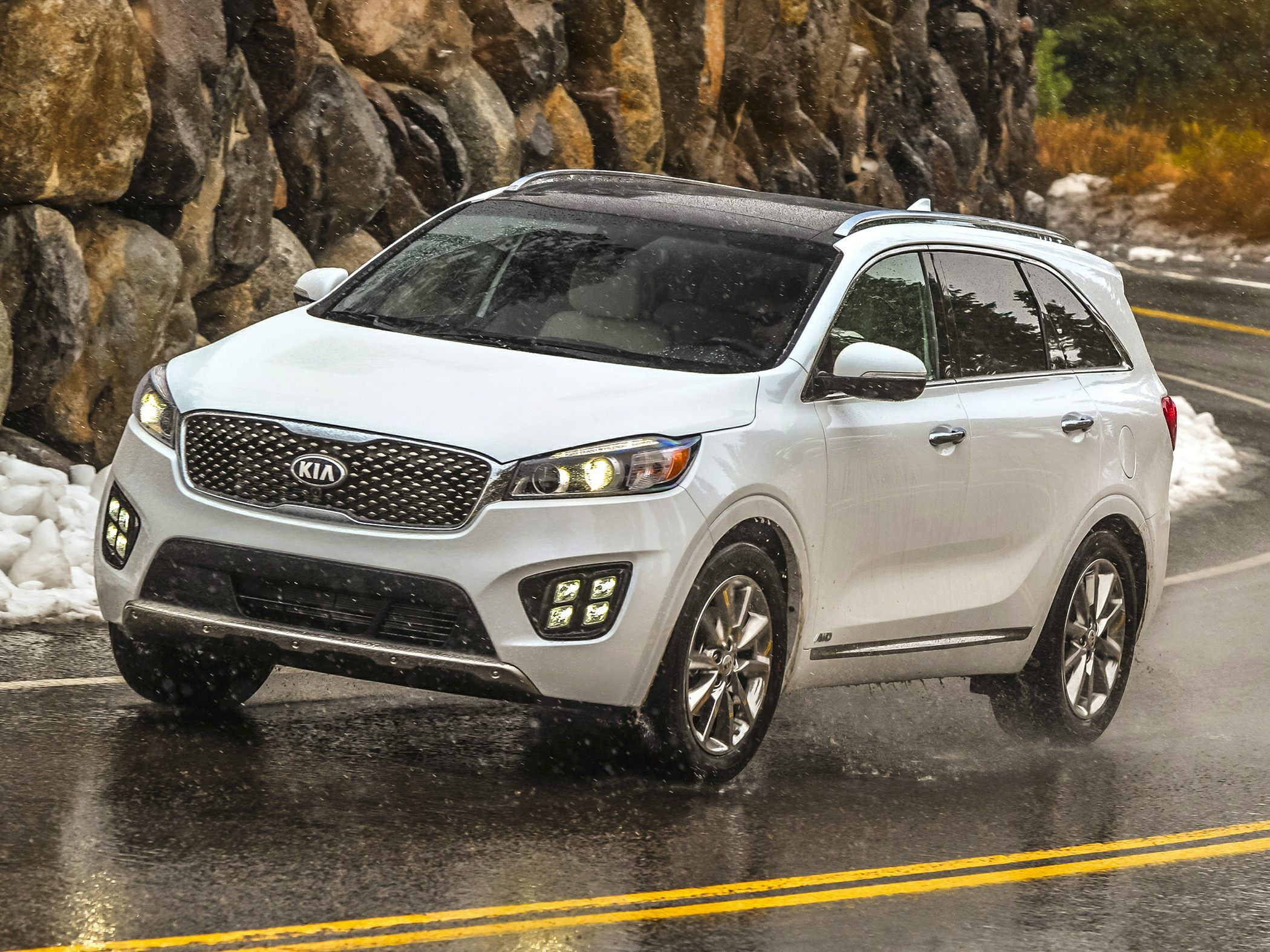 Get the best new 2017 kia sorento deal in your area with the latest pricing incentives financing options and lease info updated by our pricing experts