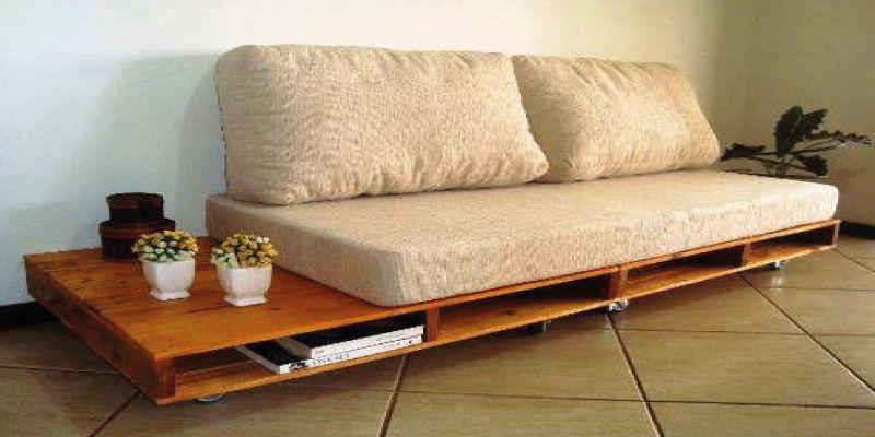 Sill n de palets reciclado muebles sillones con for Reciclado de palets sillones