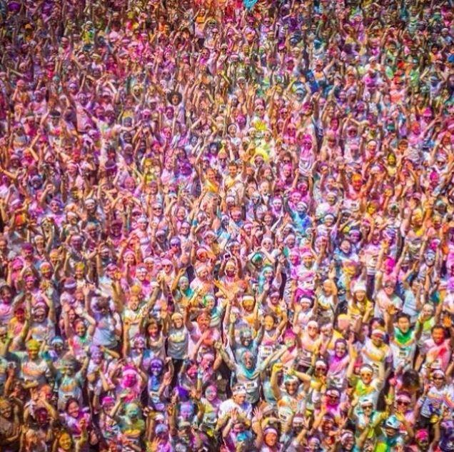 Color filled crowd