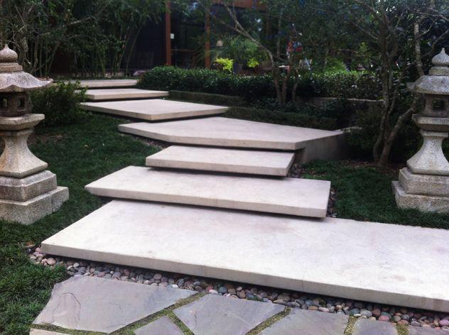 Private garden houston rooting for ideas yard for Garden slab designs