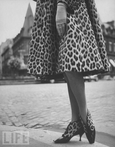 Fashion photos: 1961 Christian Dior - look at the shoes!