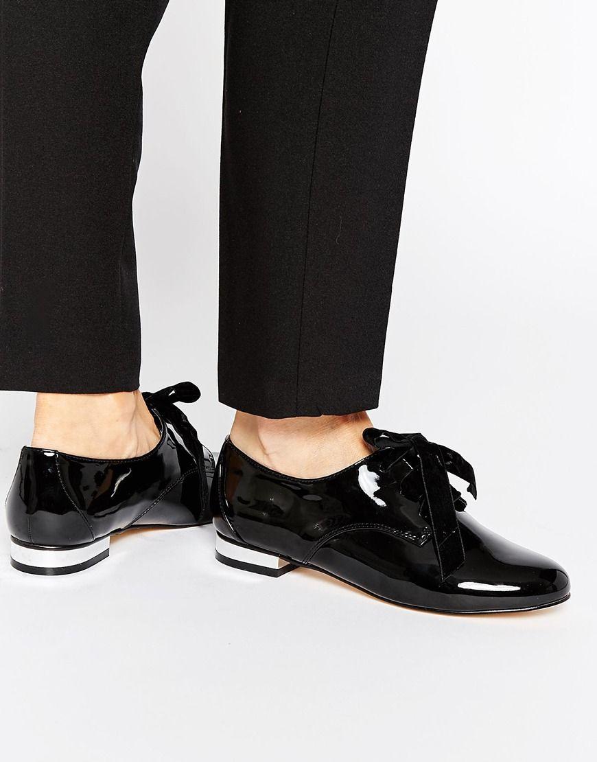 Miss KG - Minky - Chaussures vernies plates avec lacets en ruban - Noir at  asos.com