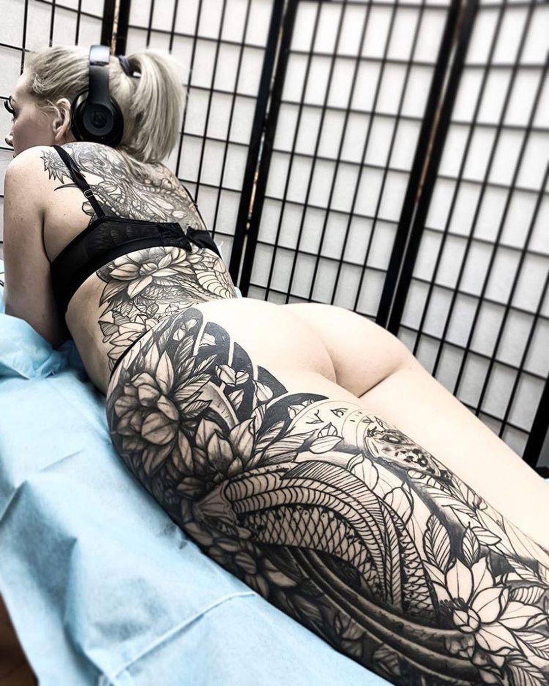 Follow this amazing tattoo artist @shorshjimenez @shorshjimenez | Las Vegas 🇺🇸 | Tag your friends! ➖➖➖➖➖➖➖➖➖➖➖➖➖ ⚊⚊⚊⚊⚊⚊⚊⚊⚊⚊⚊ All rights are reserved to their rightful owner (s) ⚊⚊⚊⚊⚊⚊⚊⚊⚊⚊⚊ #art #tattoos #tattoo #ink #inked #inkaddict #inkspiration #tattooed #smalltattoo #inkaddicted #cutetattoo #amazingtattoo #tattoolover #tattooedgirls #tattooedwomen #tattooflash #tatts #tattooist #tattoolife #tattoolifestyle #tattoolove #amazingink #tattoostagram #tattooinspiration #inkaholik #tattoowork #ta