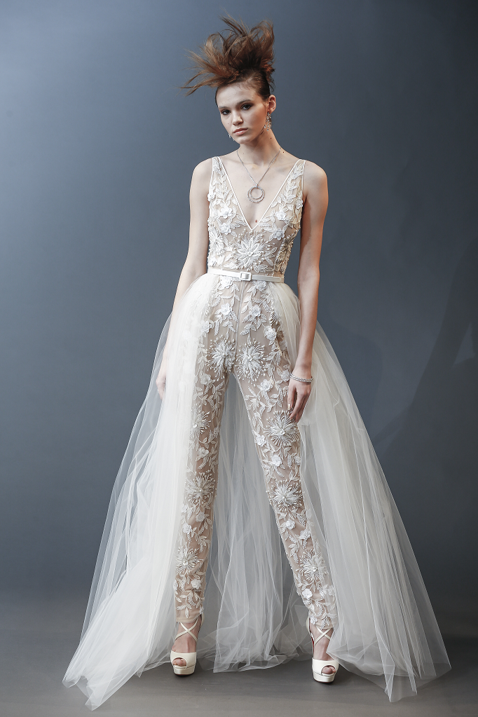 Bangkok | wedding dresses | Pinterest | Bangkok, Wedding dress and ...