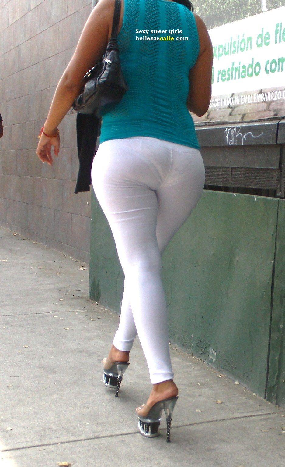 Culona con skirt gris - 2 part 9