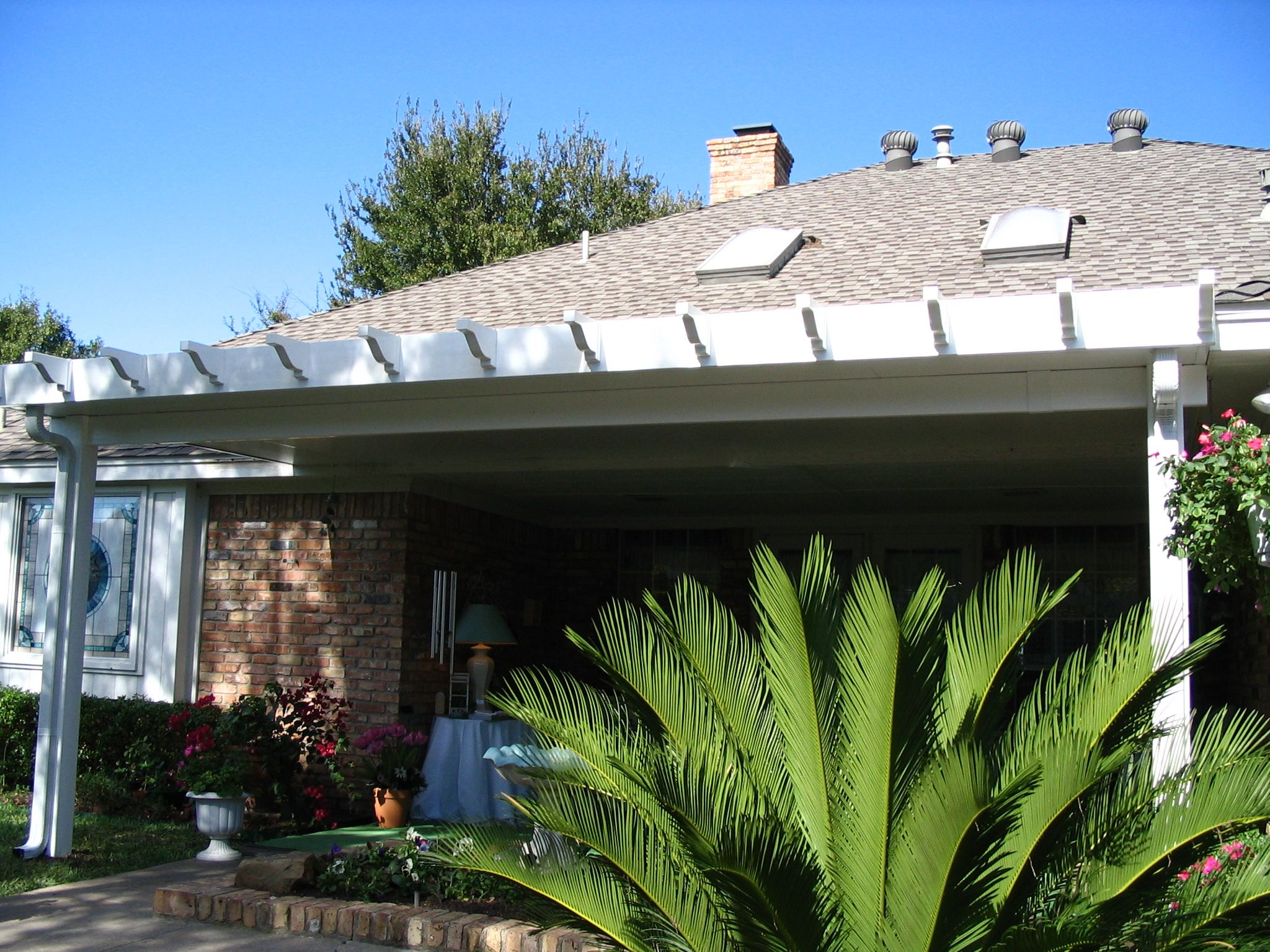This Aluminum Patio Cover Is Installed With Vinyl Post, Vinyl Beams, And  Vinyl Rafters