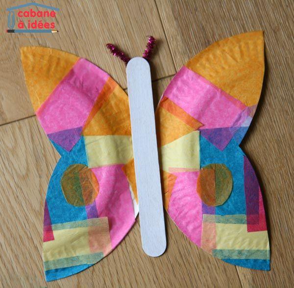 un papillon dans une assiette en papier un and papillons. Black Bedroom Furniture Sets. Home Design Ideas