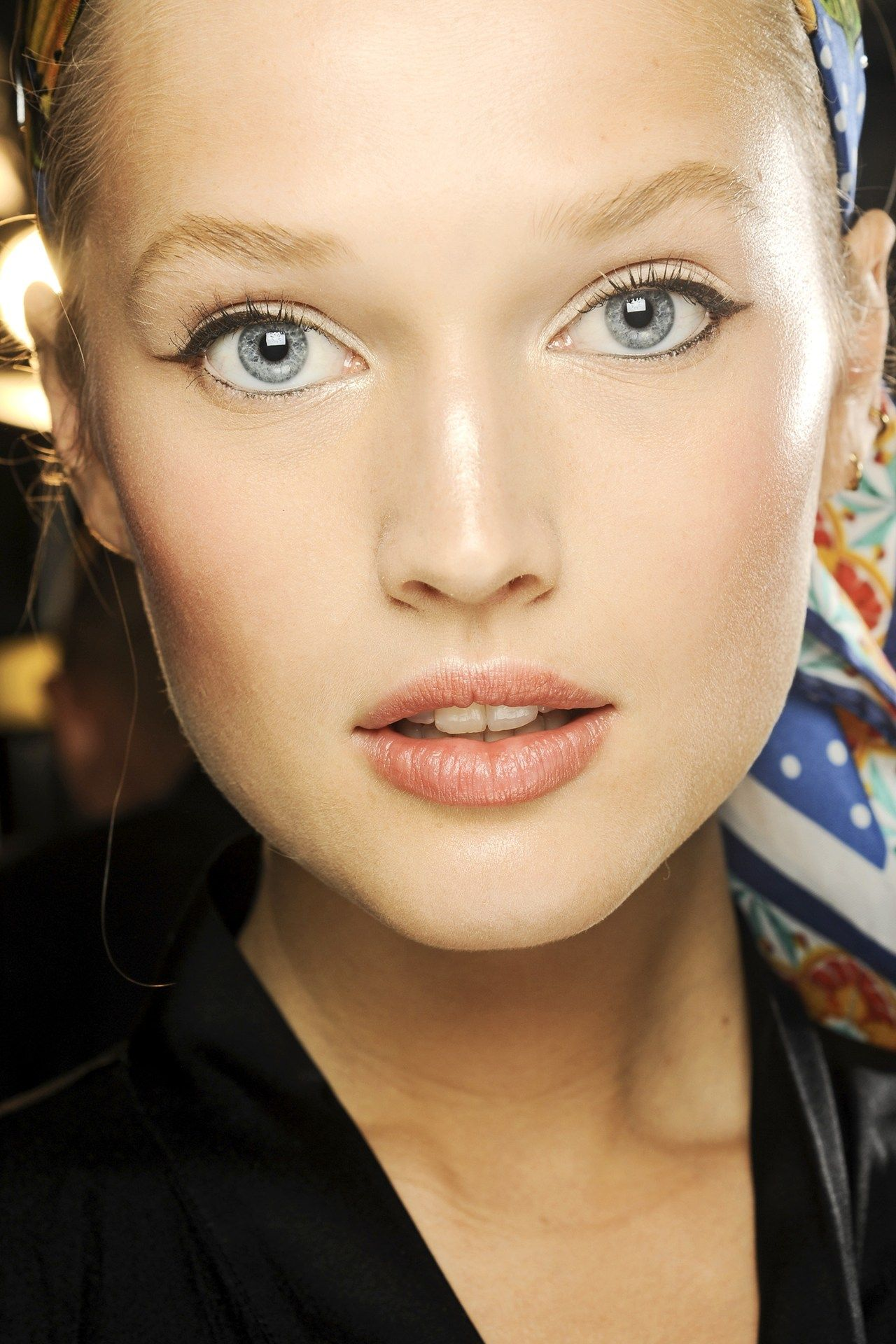 Dolce & Gabbana. http://votetrends.com/polls/369/share #makeup #beauty #runway #backstage