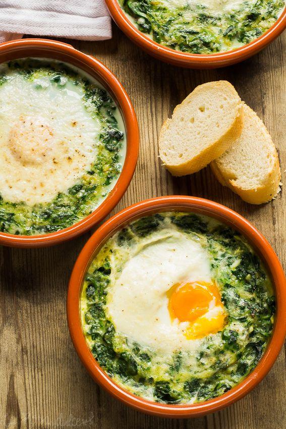 Espinacas con huevos a la crema